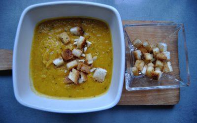 Bezglutenowa zupa krem z dyni i kukurydzy