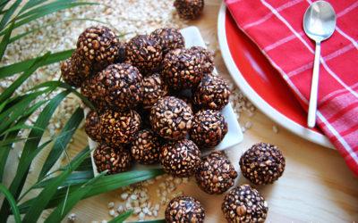 Bezglutenowe szyszki z zbóż ekspandowanych, daktyli i czekolady