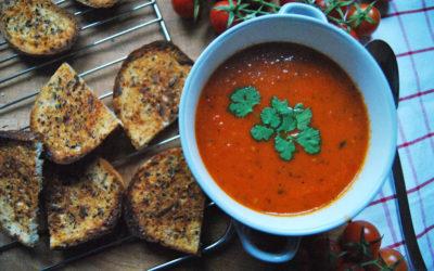 Bezglutenowa zupa krem z pieczonych pomidorów
