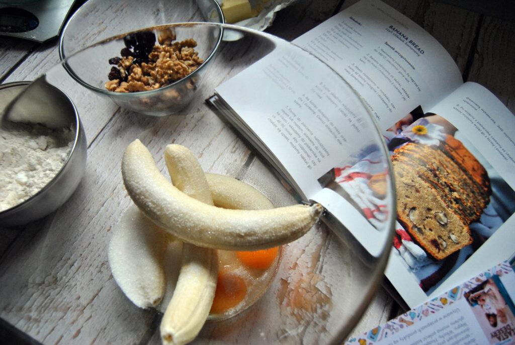 Bezglutenowy_chlebek_bananowy_2